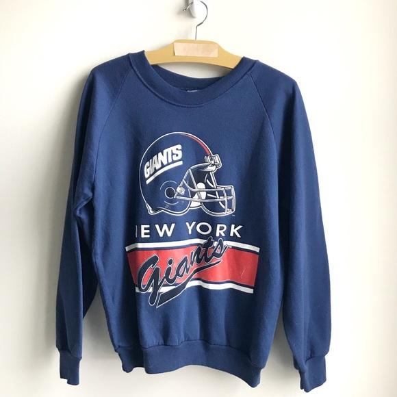 New York Giants Vintage Crew Neck Sweatshirt. M 5ad7402ba825a6de5324b30c 1f9229309